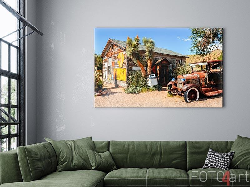 Foto op Canvas - abandoned retro car in