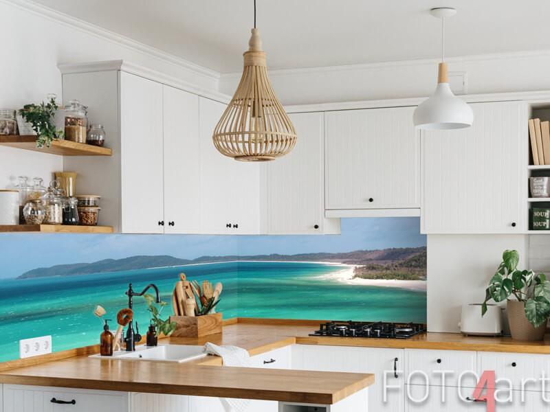 Tropische strand op glazen keukenachterwand